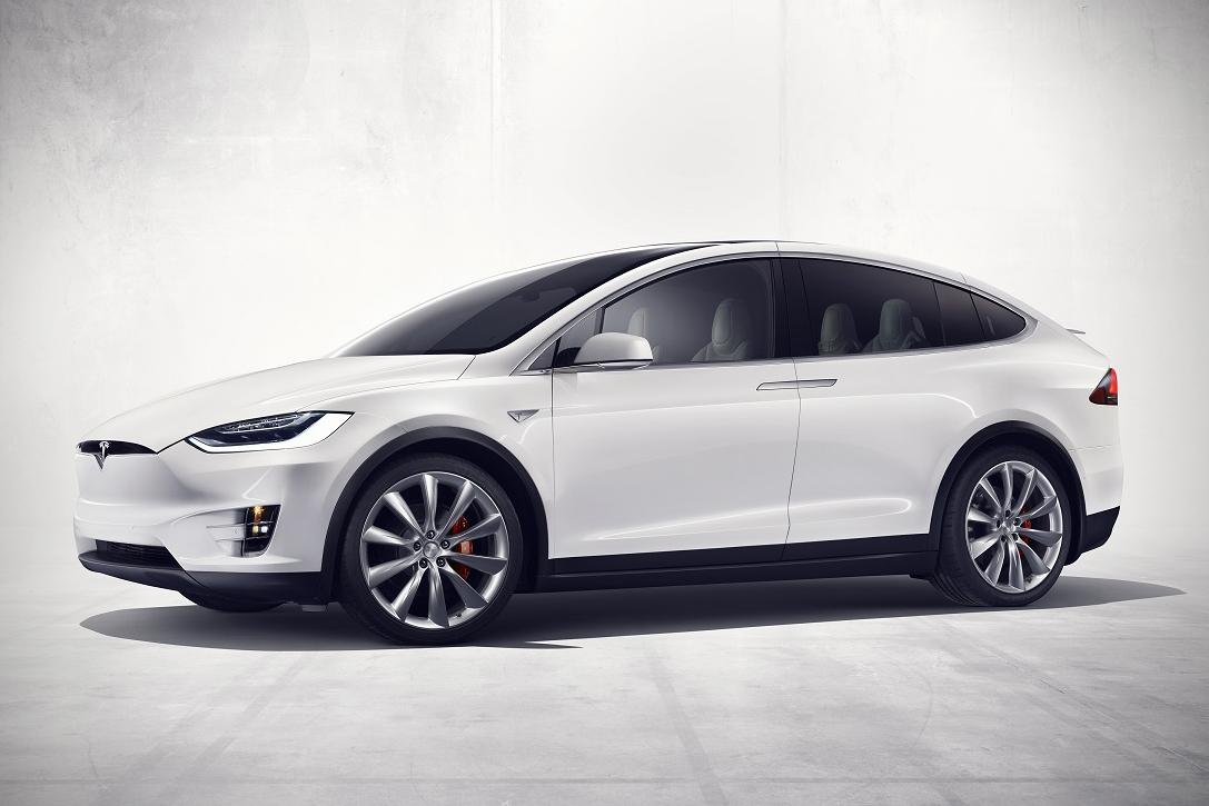 Tesla-Model-X-4
